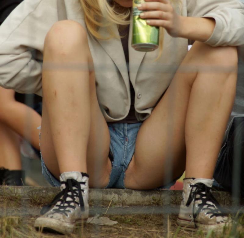 【海外ハプニング画像】外国人美女のチラリ&ポロリで見えちゃったエロ画像 64