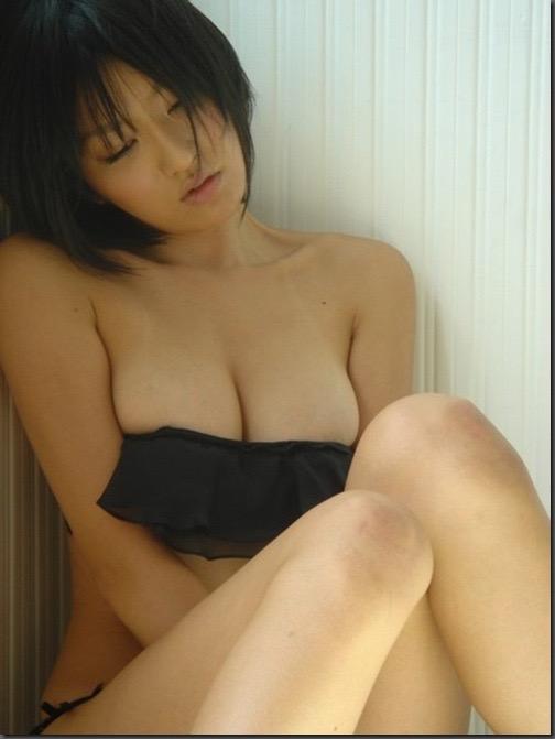 【多田あさみグラビア画像】猫大好きなFカップ巨乳グラドル美女の水着画像 33