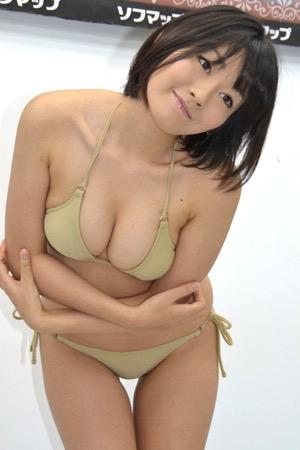 【多田あさみグラビア画像】猫大好きなFカップ巨乳グラドル美女の水着画像 41