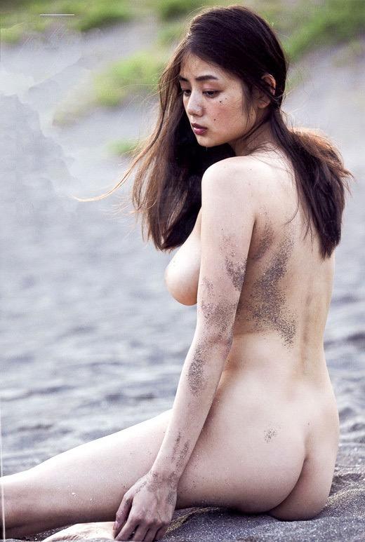 【垂れおっぱいエロ画像】垂れてるけど性欲を掻き立てる巨乳ボディの美女! 29