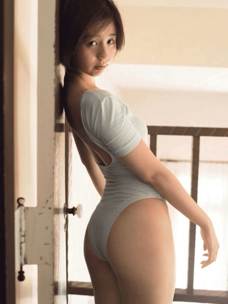 【レオタードエロ画像】美女の股間に食い込むハイレグがエロ過ぎる! 75