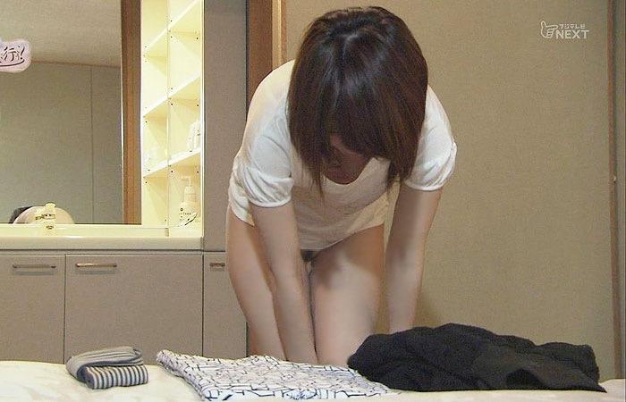 【放送事故エロ画像】テレビに映ったラッキースケベ的なハプニングエロ画像 42