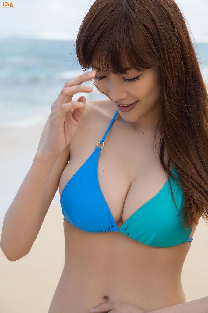 【佐藤江梨子グラビア画像】セクシー巨乳ボディを惜しげもなく晒すビキニ美女! 23