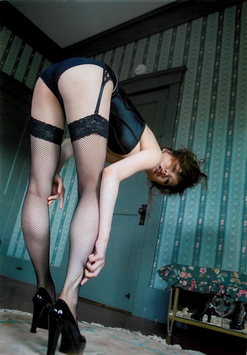 【佐藤江梨子グラビア画像】セクシー巨乳ボディを惜しげもなく晒すビキニ美女! 29
