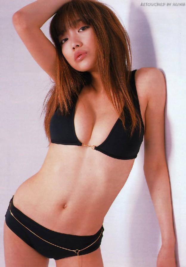 【佐藤江梨子グラビア画像】セクシー巨乳ボディを惜しげもなく晒すビキニ美女! 37