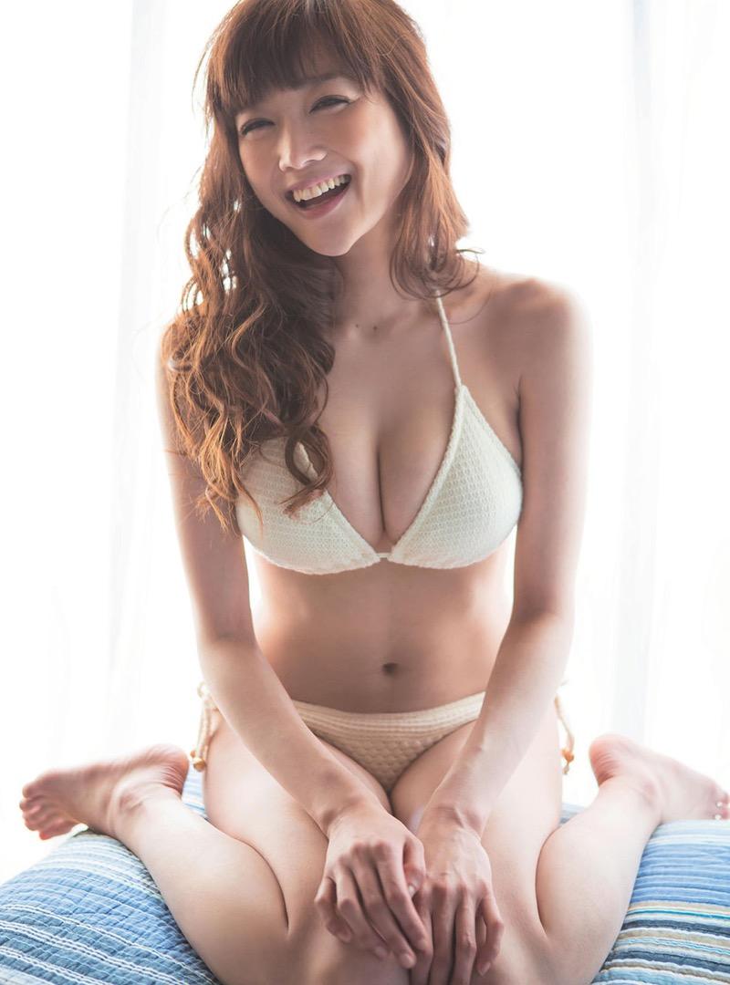 【佐藤江梨子グラビア画像】セクシー巨乳ボディを惜しげもなく晒すビキニ美女! 42