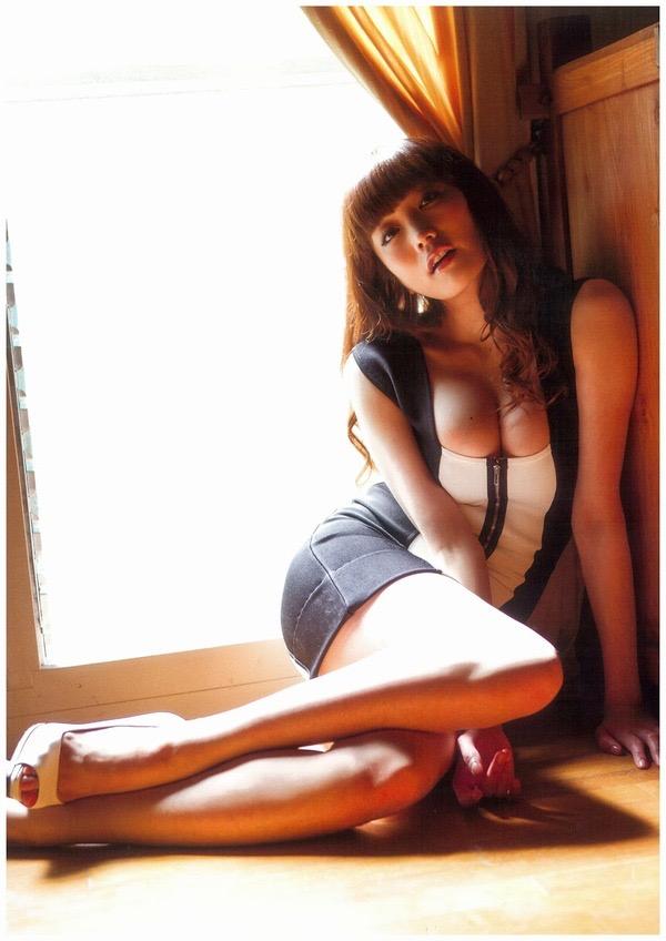 【佐藤江梨子グラビア画像】セクシー巨乳ボディを惜しげもなく晒すビキニ美女! 58