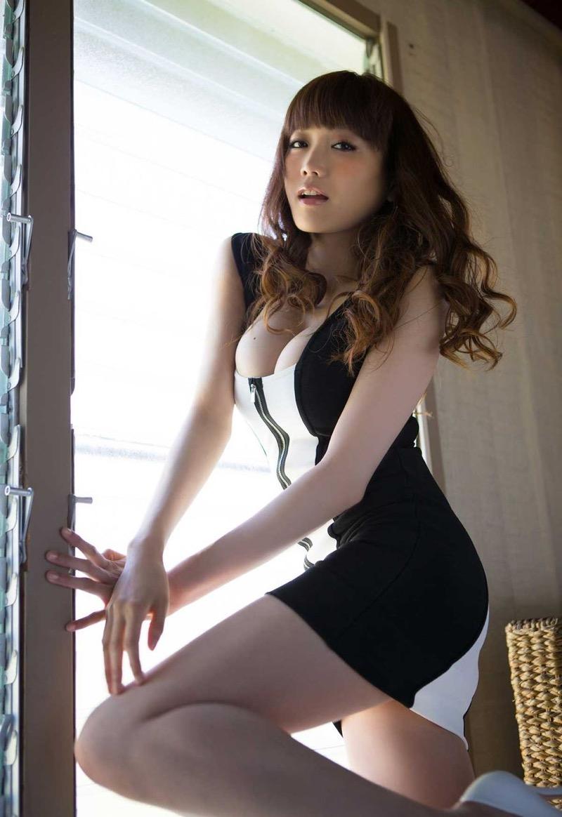 【佐藤江梨子グラビア画像】セクシー巨乳ボディを惜しげもなく晒すビキニ美女! 80