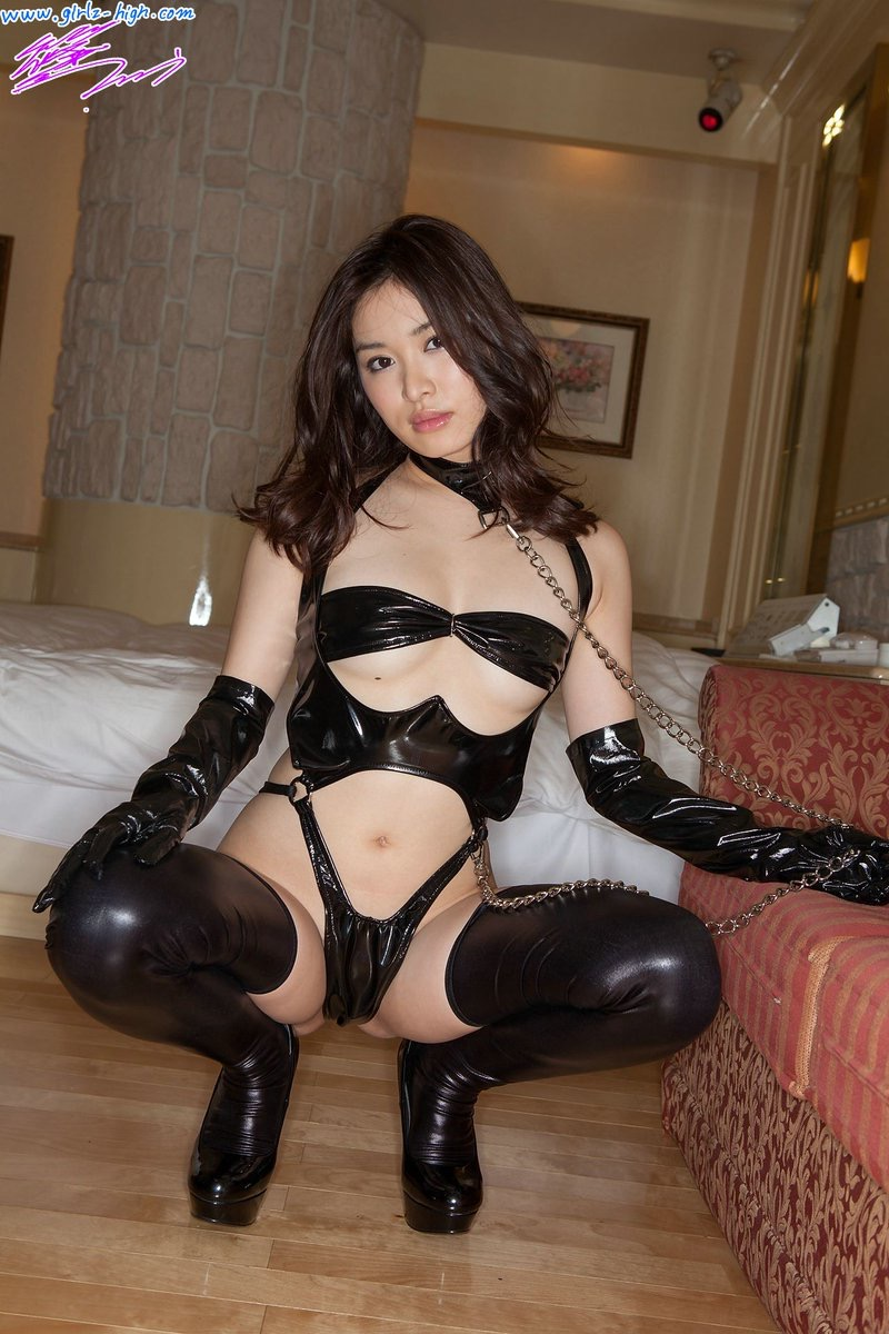 【ボンデージエロ画像】美女が身に付けたボンデージ姿がソソるエロ画像 24