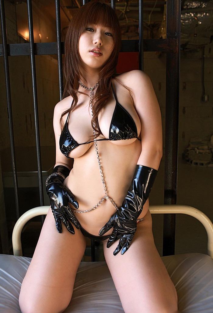 【ボンデージエロ画像】美女が身に付けたボンデージ姿がソソるエロ画像 53