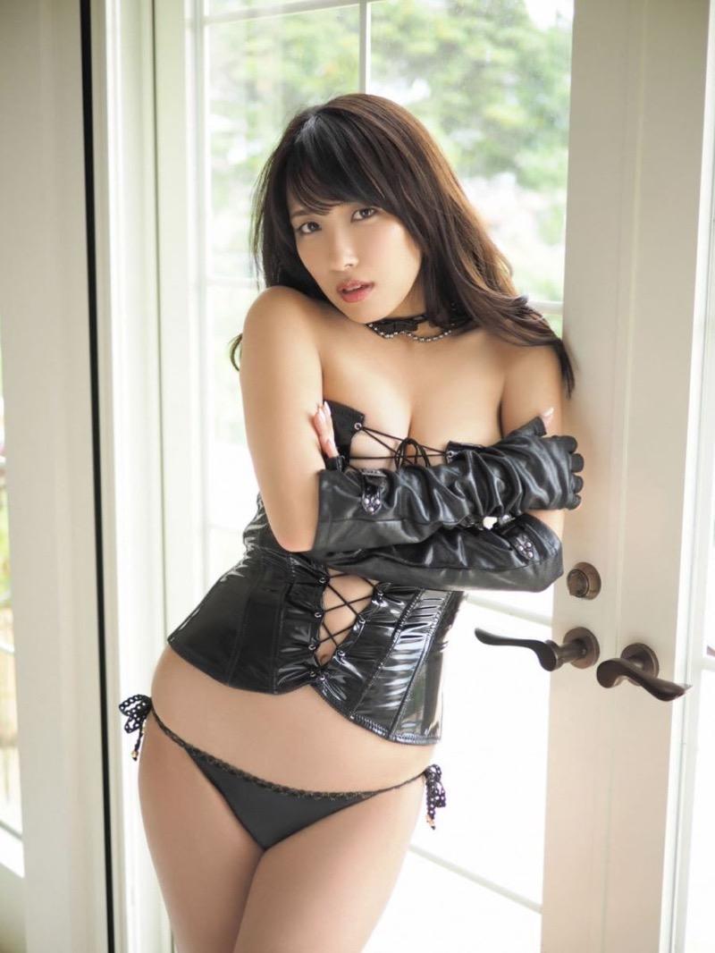 【ボンデージエロ画像】美女が身に付けたボンデージ姿がソソるエロ画像 56