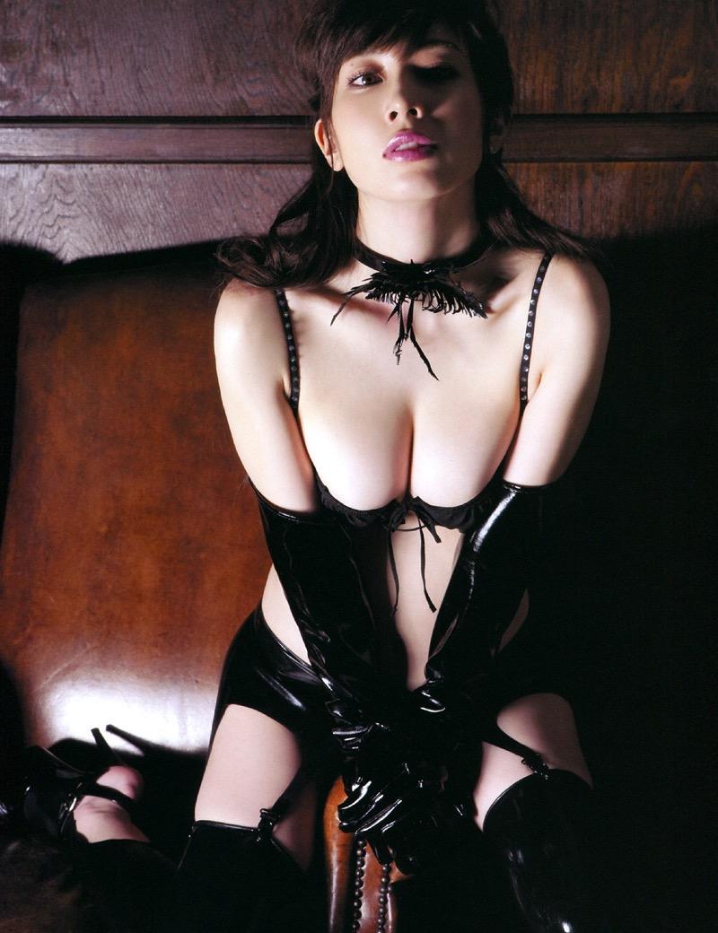 【ボンデージエロ画像】美女が身に付けたボンデージ姿がソソるエロ画像 58