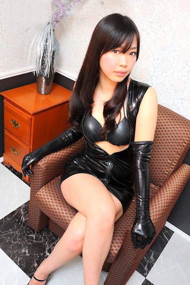 【ボンデージエロ画像】美女が身に付けたボンデージ姿がソソるエロ画像 59