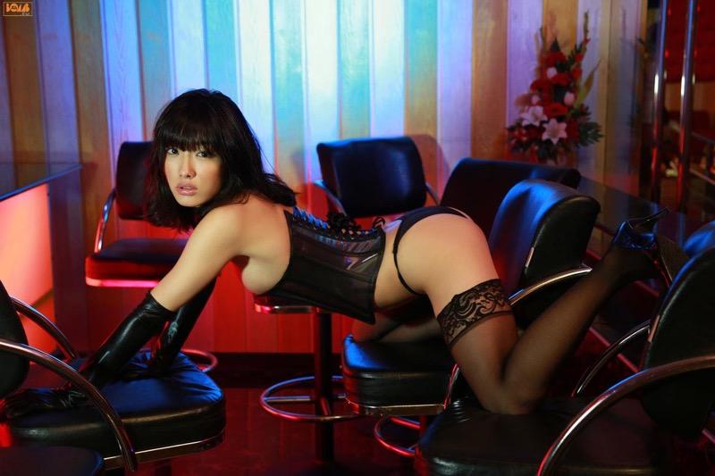 【ボンデージエロ画像】美女が身に付けたボンデージ姿がソソるエロ画像 65