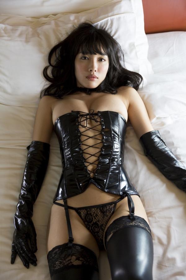 【ボンデージエロ画像】美女が身に付けたボンデージ姿がソソるエロ画像 66