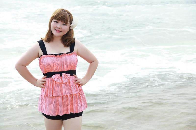 【タレントお宝画像】テレビで普段は脱がないタレント美女のエロビキニ姿! 11
