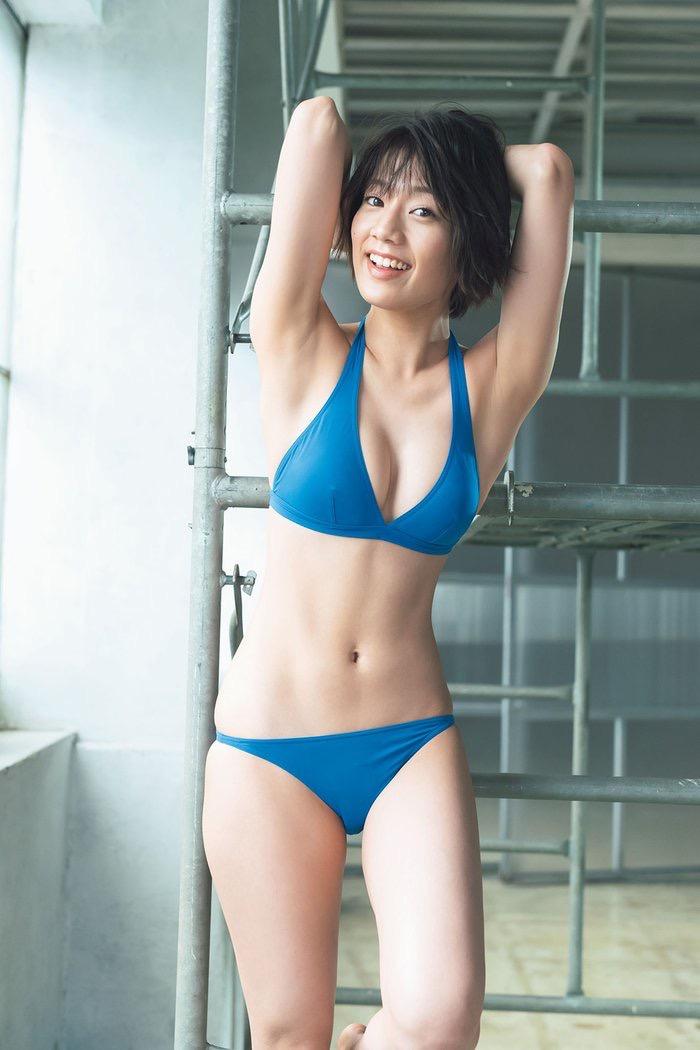 【タレントお宝画像】テレビで普段は脱がないタレント美女のエロビキニ姿! 57