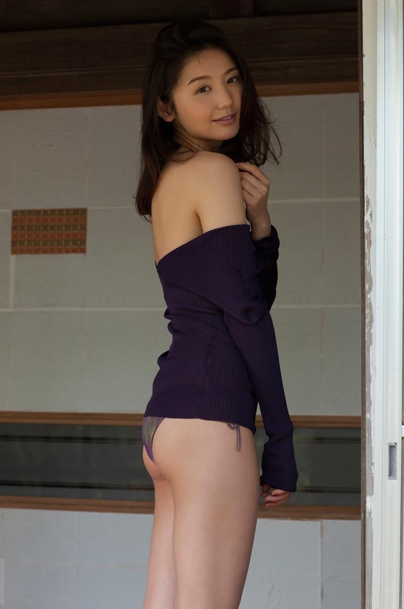 【おのののかグラビア画像】Eカップ巨乳のエロボディを見せつけるビキニ美女 05