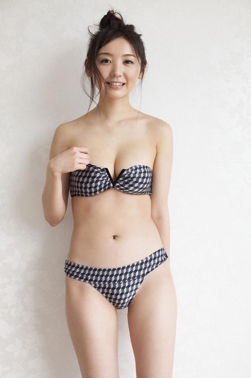 【おのののかグラビア画像】Eカップ巨乳のエロボディを見せつけるビキニ美女 22