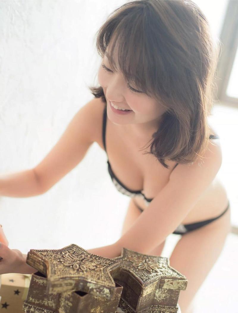 【おのののかグラビア画像】Eカップ巨乳のエロボディを見せつけるビキニ美女 23