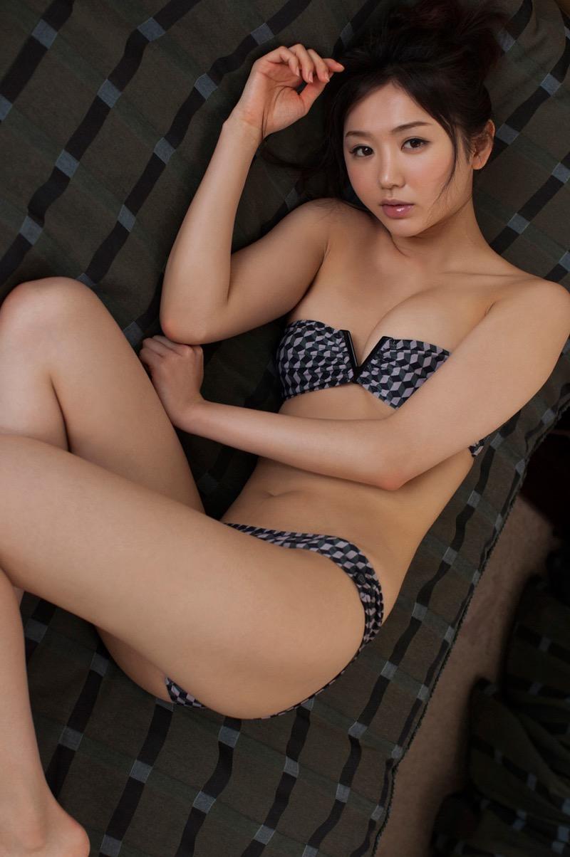 【おのののかグラビア画像】Eカップ巨乳のエロボディを見せつけるビキニ美女 28