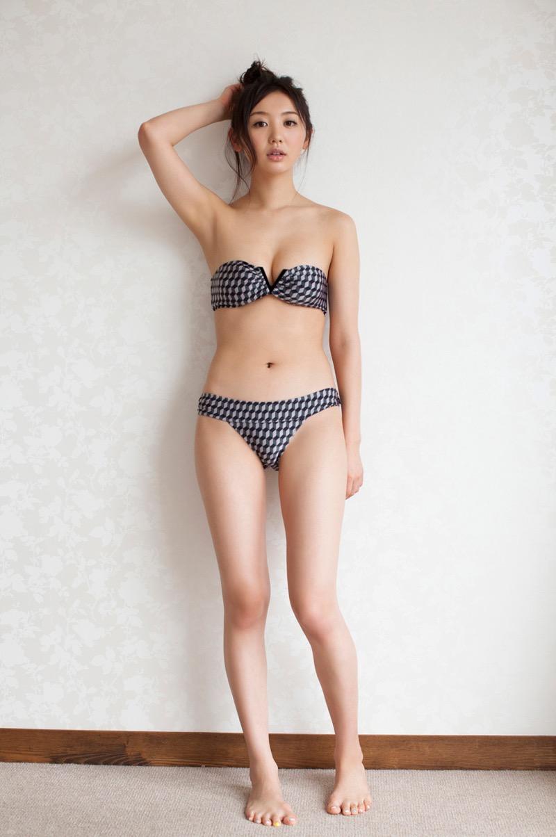 【おのののかグラビア画像】Eカップ巨乳のエロボディを見せつけるビキニ美女 29