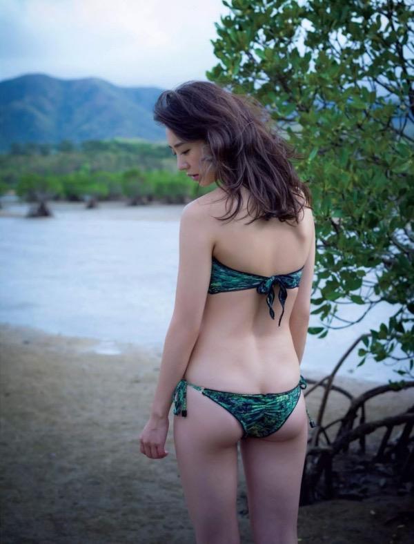 【おのののかグラビア画像】Eカップ巨乳のエロボディを見せつけるビキニ美女 36