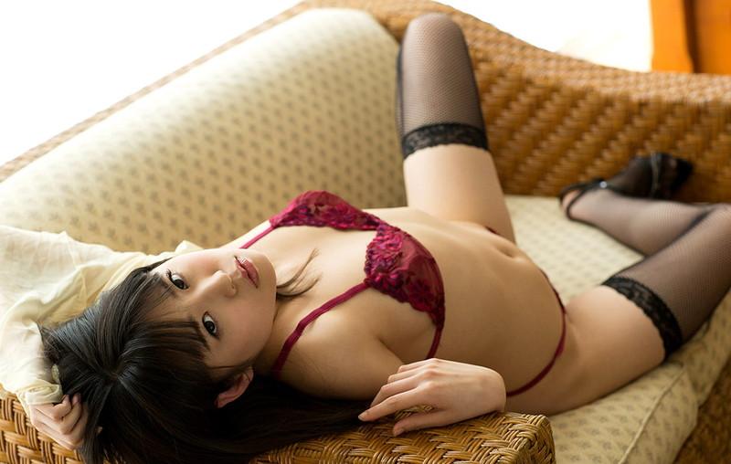 【ランジェリーエロ画像】美女がセクシーランジェリーを身に着けると破壊力ハンパねぇwwww