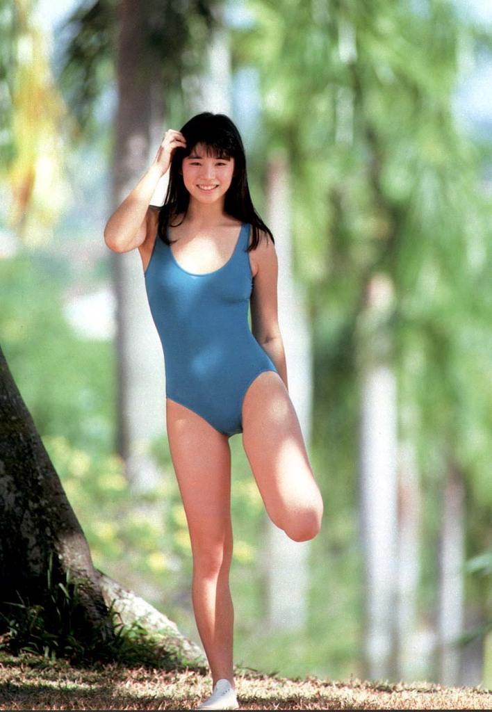 【石田ゆり子お宝画像】芸歴30年の大ベテラン女優が昔披露していたちょっとエッチな水着姿 51