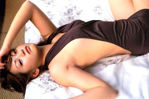 【江川有未グラビア画像】お笑い芸人と離婚してから芸能界を去った元嫁ザリのセクシー水着画像 03