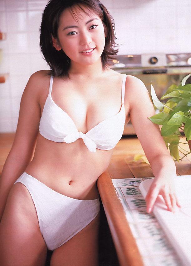 【江川有未グラビア画像】お笑い芸人と離婚してから芸能界を去った元嫁ザリのセクシー水着画像 14