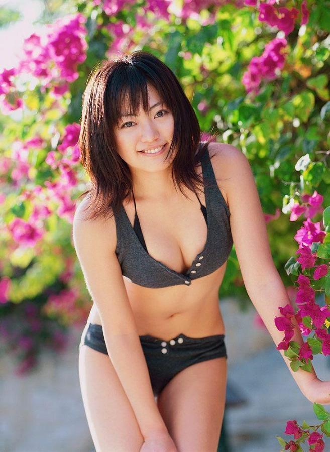 【江川有未グラビア画像】お笑い芸人と離婚してから芸能界を去った元嫁ザリのセクシー水着画像 15