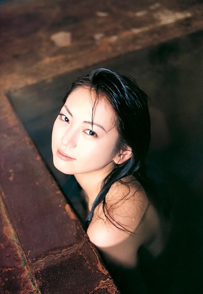 【江川有未グラビア画像】お笑い芸人と離婚してから芸能界を去った元嫁ザリのセクシー水着画像 58