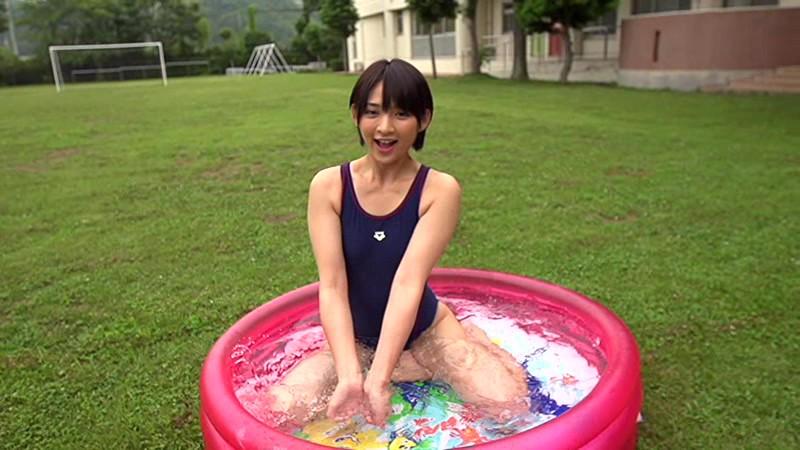 【鈴木咲エロ画像】Aカップ微乳ながらスレンダーボディが結構エロいアラサー美女 33