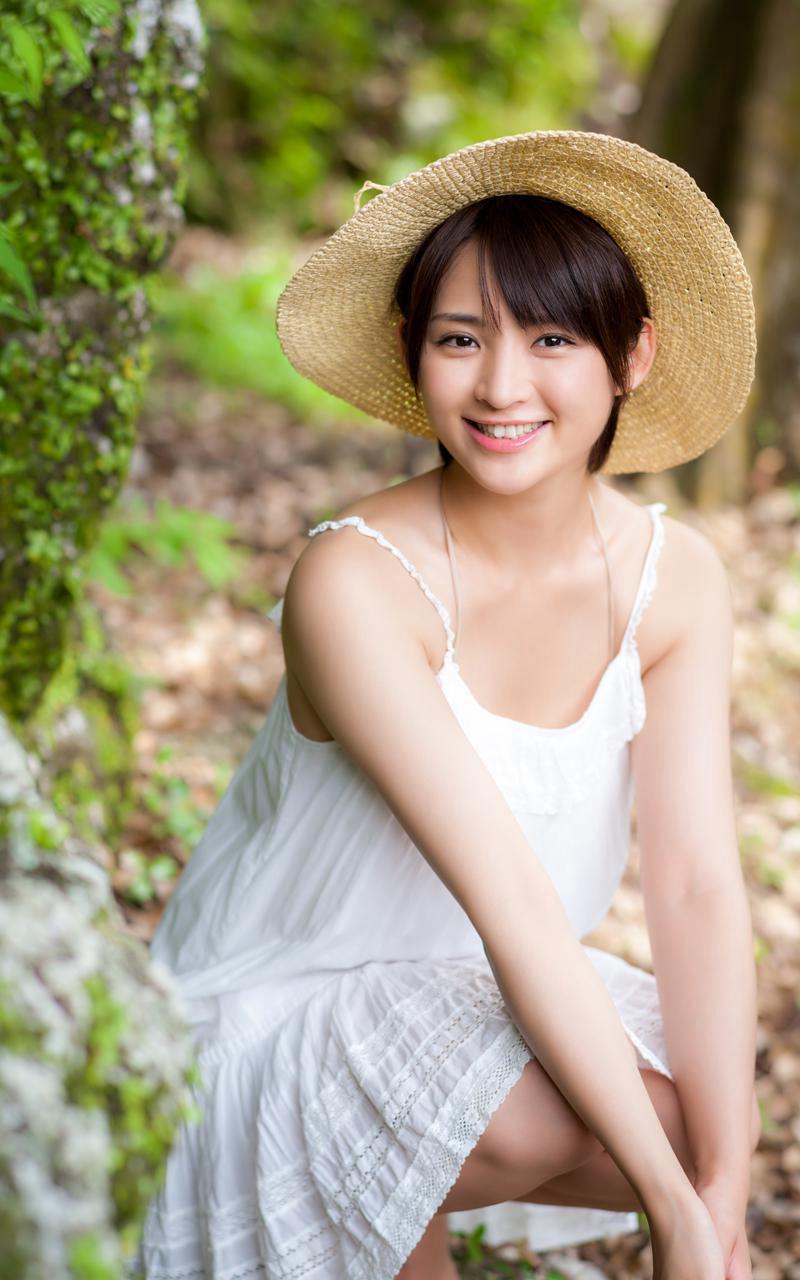 【鈴木咲エロ画像】Aカップ微乳ながらスレンダーボディが結構エロいアラサー美女 49
