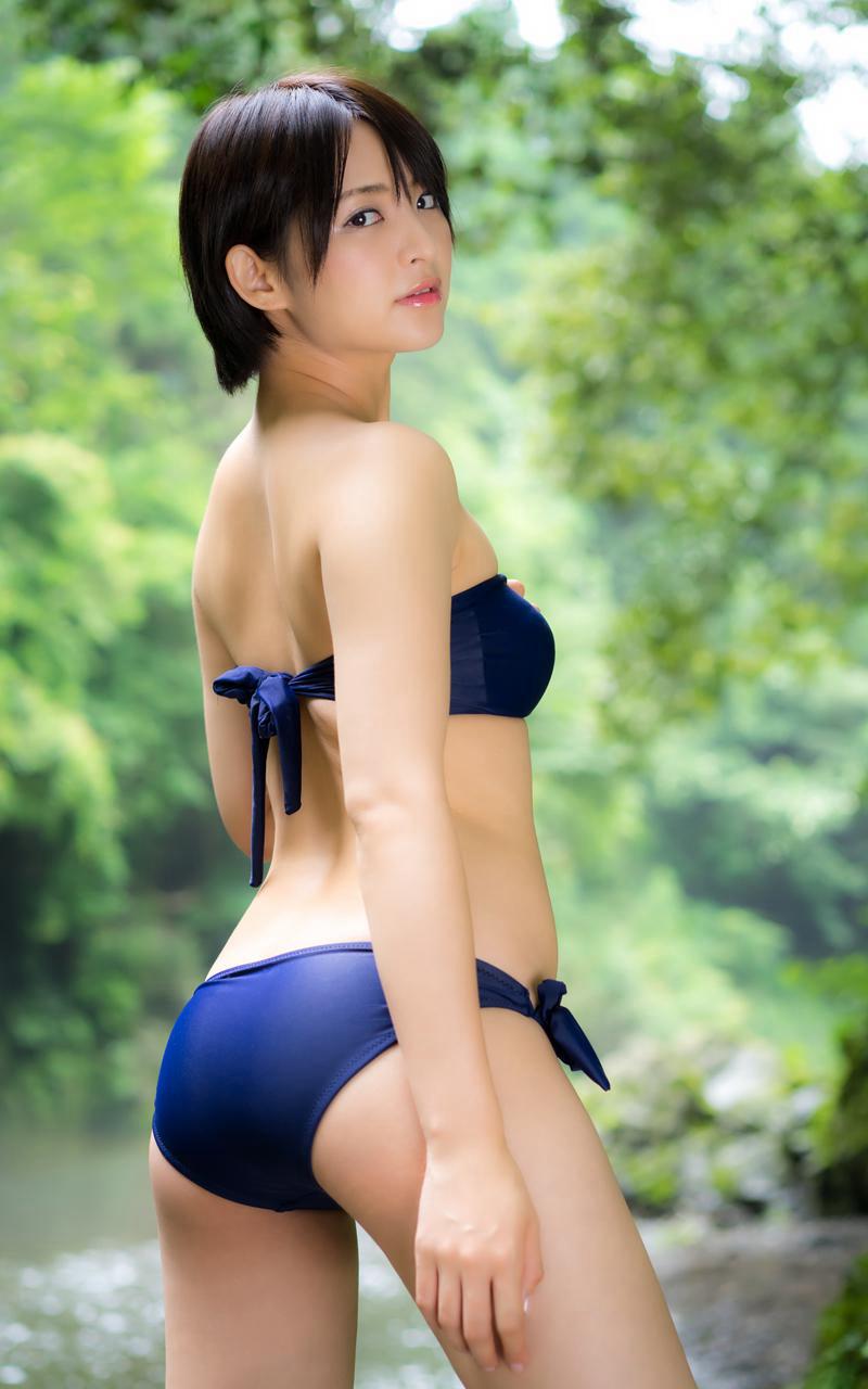 【鈴木咲エロ画像】Aカップ微乳ながらスレンダーボディが結構エロいアラサー美女 59