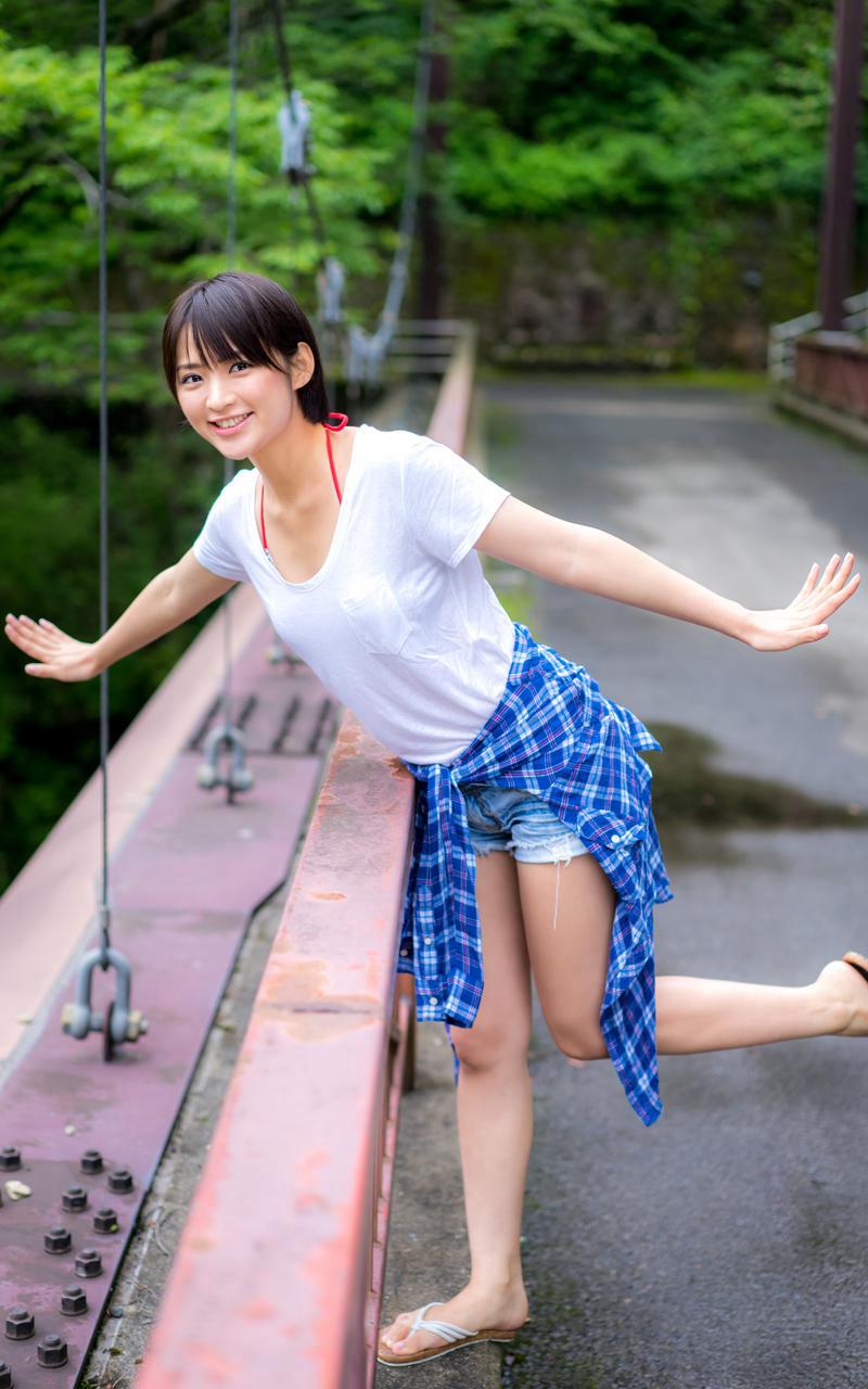 【鈴木咲エロ画像】Aカップ微乳ながらスレンダーボディが結構エロいアラサー美女 62