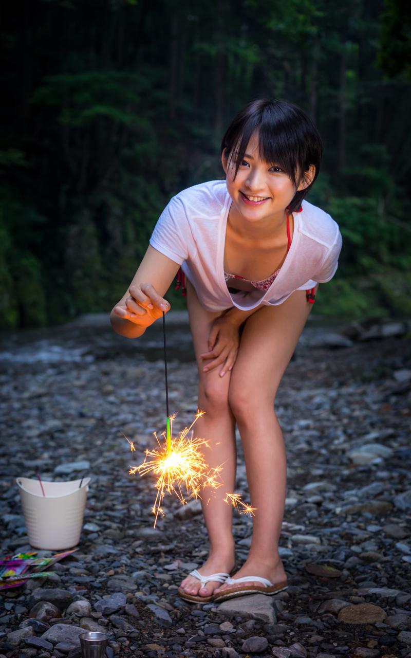 【鈴木咲エロ画像】Aカップ微乳ながらスレンダーボディが結構エロいアラサー美女 65