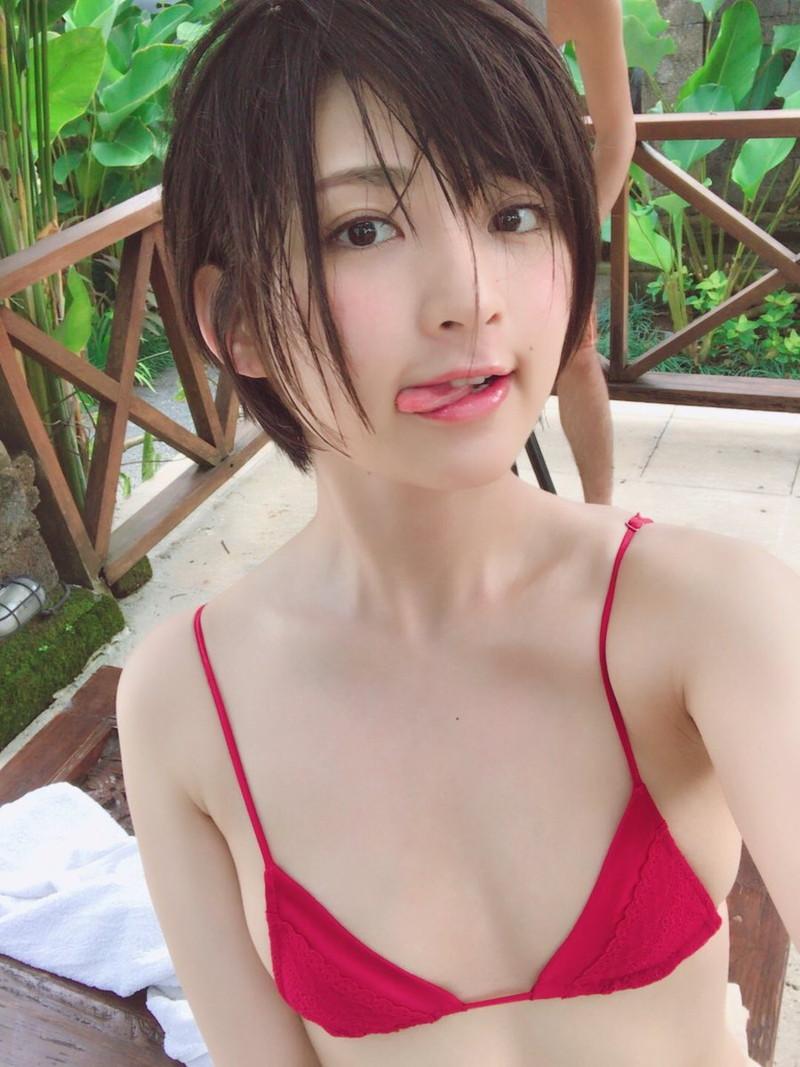 【鈴木咲エロ画像】Aカップ微乳ながらスレンダーボディが結構エロいアラサー美女 67