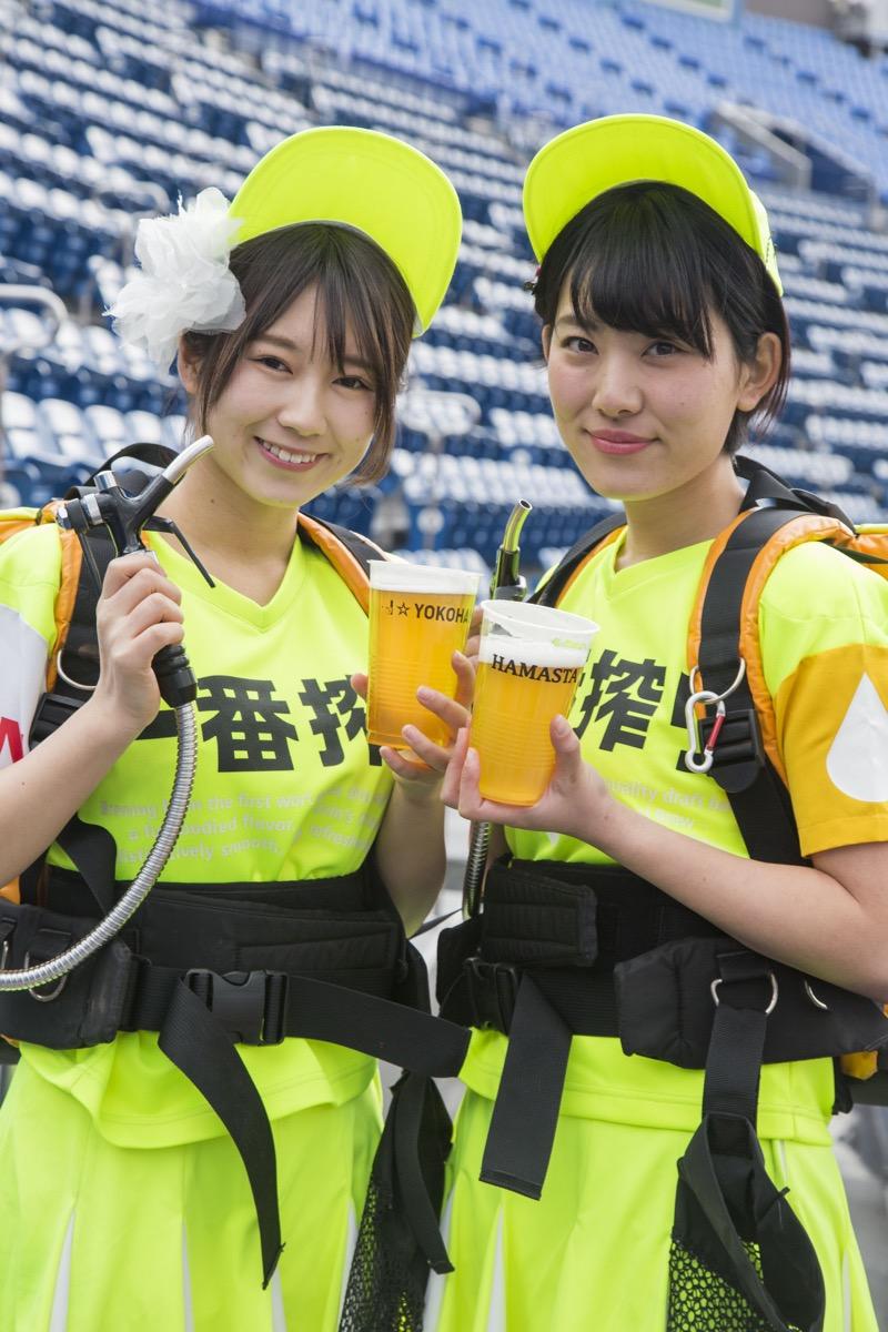 【可愛いビール売り子画像】タレントの登竜門にもなりそうな可愛いビール売り子 12