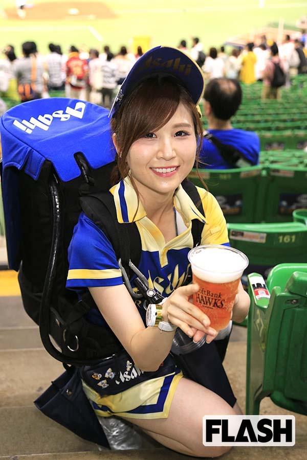 【可愛いビール売り子画像】タレントの登竜門にもなりそうな可愛いビール売り子 37