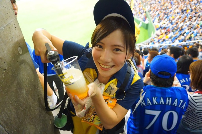 【可愛いビール売り子画像】タレントの登竜門にもなりそうな可愛いビール売り子 42