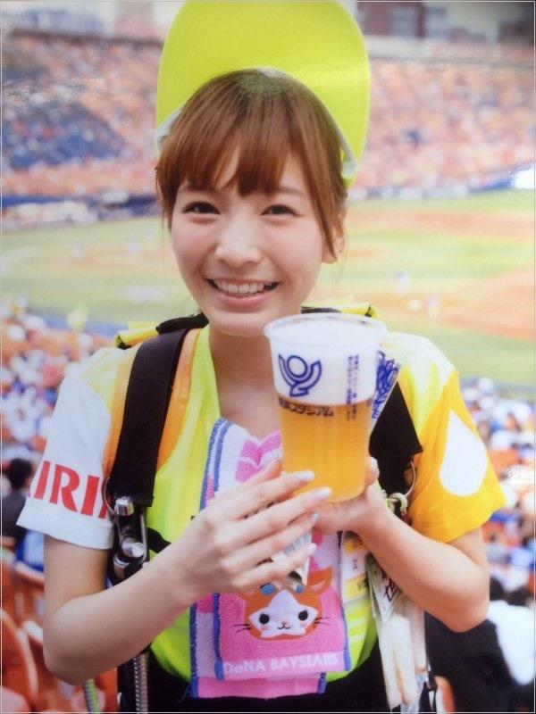 【可愛いビール売り子画像】タレントの登竜門にもなりそうな可愛いビール売り子 47