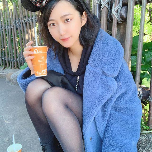 【川瀬もえエロ画像】セミロングのさらさらストレートヘアが似合って可愛い美脚美女! 36