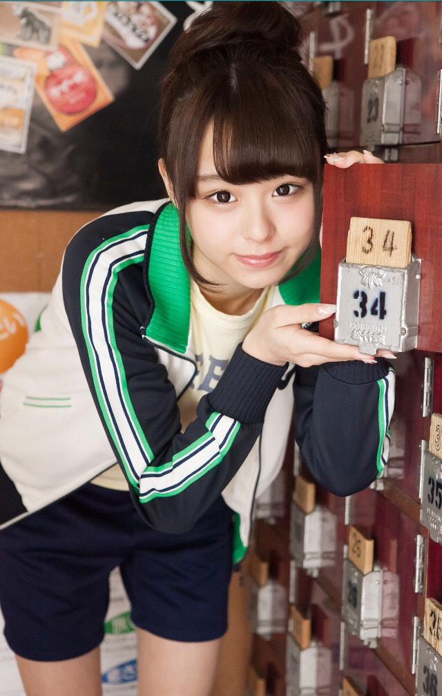 【佐藤麗奈グラビア画像】童顔系アイドルが披露する健康的でエッチなビキニ&下着姿 20