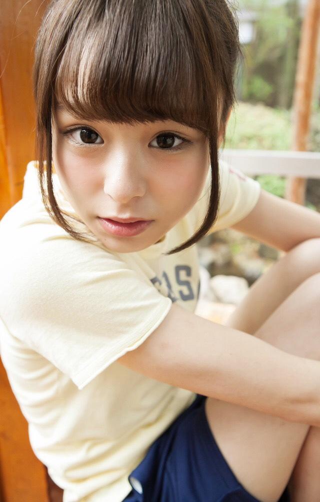 【佐藤麗奈グラビア画像】童顔系アイドルが披露する健康的でエッチなビキニ&下着姿 21