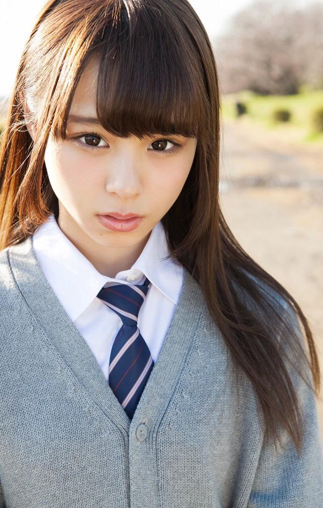 【佐藤麗奈グラビア画像】童顔系アイドルが披露する健康的でエッチなビキニ&下着姿 28