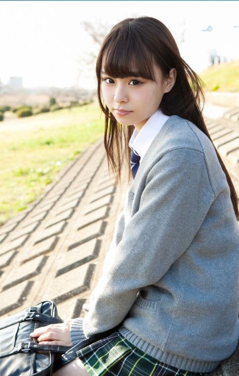 【佐藤麗奈グラビア画像】童顔系アイドルが披露する健康的でエッチなビキニ&下着姿 29