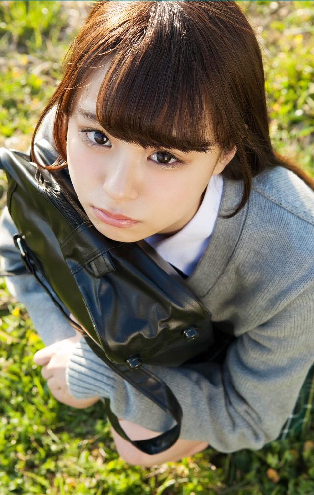 【佐藤麗奈グラビア画像】童顔系アイドルが披露する健康的でエッチなビキニ&下着姿 30