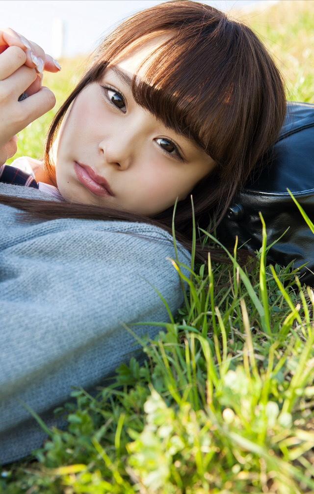 【佐藤麗奈グラビア画像】童顔系アイドルが披露する健康的でエッチなビキニ&下着姿 31